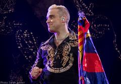 Robbie Williams - Barcelona (sarahdlx) Tags: show portrait music color colour colors lights concert colorful colours williams live gig robbie concertphotography robbiewilliams rw liveshow lme musicphotographer musicphotography gigphotography letmeentertainyou concertphotographer robbielive gigphotographer lmey lmeytour