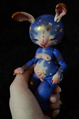 I know I'll be capable of anything cause the moon and the stars fit just right in my hand (Tshu) Tags: ball doll bjd jointed fenouil ulna tendres chimeres koalakrash