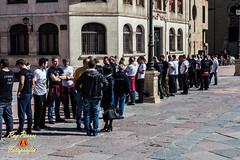 Igualá de los Costaleros de la Hermandad de los Estudiantes de Oviedo, preparatorio para la Procersión de la Madrugá,  el Jueves Santo 2015 en la Plaza de la Catedral de Oviedo, Asturias. España. (RAYPORRES) Tags: españa abril asturias oviedo plazadelacatedral 2015 iguala plazadealfonsoiielcasto principadodeasturias hermandaddelosestudiantesdeoviedo juevessanto2015 igualáparalamadrugá
