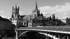 Perspective (silvia_gd) Tags: city bridge building architecture puente lumix schweiz switzerland europa europe suiza cathedral monumento cit himmel lausanne panasonic cathdrale ciel cielo pont svizzera paysage ville mnster vaud lausana waadt