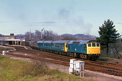 25133_Colwyn_Bay_1977 (Malvern Firebrand) Tags: class25 rat sulzer colwyn bay north wales dmu parcels stock track signals railway railroad april spring sun sunshine eastbound 25133 1977 loopline station view 1970s unusual consist glorious