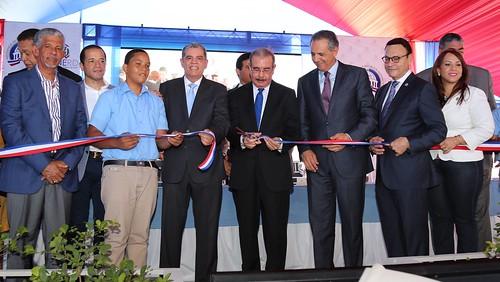 Los Mameyes y Boca Chica reciben dos centros educativos con 41 nuevas aulas