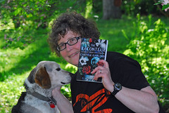 DSC_0031a (Grudnick) Tags: fiction dog beagle cindy book fantasy scifi novel writer author barney theraconteur cindygarland cynthiagarland cressenbooks
