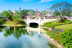 Beautiful Day (fgazioli) Tags: park travel sky usa nature orlando epcot disney eua waltdisneyworld