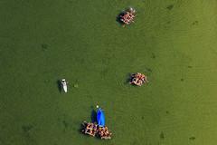 Homemade Rafts (Aerial Photography) Tags: blue people lake verde green water by children landscape see wasser outdoor kinder aerial menschen leisure grn blau landschaft ammersee freizeit deu luftbild luftaufnahme obb bayernbavaria deutschlandgermany fotoklausleidorfwwwleidorfde 29062011 ammerseelkrlandsbergamlech 1ds68200