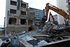 Rasti 06/2016 (location: unknown) Tags: buildings finland concrete living europe steel places demolition vehicles underconstruction tampere rebar materials deconstruction excavator rasti excavators ajoneuvot kaivinkone precastconcrete heavyconstructionequipment kaivuri purkaminen kaivinkoneet sandwichpanels raskaattykoneet raskastykone esivalettubetoni sandwichelementit