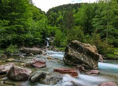 River of la Larr ( Spain ) (danieldeoux) Tags: naturaleza mountain nature rio montagne river waterfall rivire montaa cascade mont pyrnes pirineos cascada monteperdido pyrennees rservenaturelle