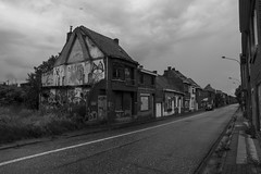 DSC_9926 (xanhs) Tags: abandoned town village ghost dorp doel abandomed