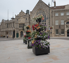 Outside Trinity Guildhall (grannie annie taggs) Tags: building history architecture kingslynn