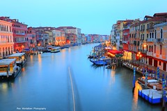 early morning on the rialto bridge (Rex Montalban Photography) Tags: longexposure venice italy rialtobridge europe earlymorning hdr nikond600 rexmontalbanphotography
