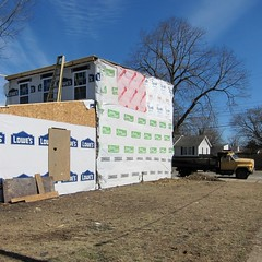 Planquadrat / Quilted Quonset (bartholmy) Tags: house tree collage truck virginia boards construction quilt insulation haus richmond baustelle lorry va ladder lowes baum tyvek refurbishment renovierung leiter lastwagen lkw churchhill bretter verschalung isolierfolie