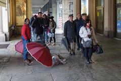 Flickar in Torino () Tags: street friends portrait umbrella torino photography photo flickr foto photographer photos group meeting human fotografia umbrellas amici portici turin ritratto stefano ombrello fotografo gruppo incontro raduno 2015 trucco ombrelli binario21 zush stefanotrucco