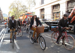 Tweed Run London 2015 (156)r (Funny Cyclist) Tags: park fashion bike bicycle dress ride trafalgarsquare run hyde cycle cloth tweed