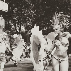 london #carnival #nottinghill #nottinghillcarnival2015 #dance #peolpe... (ER-Photo) Tags: carnival england blackandwhite london fun dance streetphotography nottinghill peolpe reportage blackandwhitephotography uploaded:by=flickstagram nottinghillcarnival2015 gettinglose instagram:photo=10921270413251917972204679691
