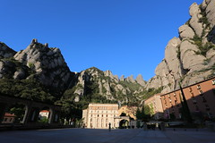 Montserrat (HDH.Lucas) Tags: people mountain rock spain lucas monastery montserrat