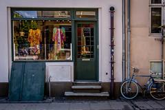 Windows in Copenhagen (janmennens) Tags: windows reflections copenhagen dk cph danmark kopenhagen kbenhavn denemarken vinduer spiegelingen vensters hoofdstad