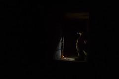 Dans les entrailles de Paris (Yasmine Amedeo) Tags: paris catacombe bougie homme noir darklight mlancolie