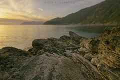 TRMNMANR (APINTUS) Tags: sunset sea clouds rocks tramonto mare 5 unesco terre vernazza rocce monterosso manarola riomaggiore