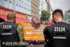 Solidaritt mit der Rigaer94! Rebellische Nachbarn - Solidarische Kieze - Stadt von unten!  25.06.2016  Berlin  IMG_5266 (PM Cheung) Tags: berlin kreuzberg refugees parade demonstration queer friedrichshain polizei so36 neuklln 2016 ausbeutung heinrichplatz flchtlinge rassismus friedrichshainkreuzberg xcsd diskriminierung oranienplatz transgenialercsd rigaer94 csdberlin hausprojekt m99 protestdemonstration tcsd lgbtqi gentrifizierung kadterschmiede oplatz pmcheung csdkreuzberg solidarittsdemonstration pomengcheung sdblock facebookcompmcheungphotography kiezdemo gerharthauptmannrealschule transgendern eincsdinkreuzberg mengcheungpo friedel54 yallaaufdiestrasequeerbleibtradikal kreuzbergercsd2016 yallatothestreetsqueerstaysradical solidarittmitderrigaer94rebellischenachbarnsolidarischekiezestadtvonunten christopherstreetday2016friedel54 rumungkadterschmiede 25062016