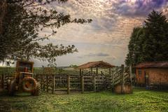 Fazenda Palmeiras (rvcroffi) Tags: brazil tractor clouds countryside farm fences sunny dia calm serenity nuvens campo brazilian cerca calma hdr trator fazenda tranquillity curral tranquila ensolarado itirapina fazendapalmeiras
