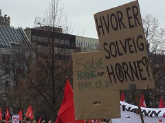 8. mars 2015: Hvor er Solveig Horne? (mrjorgen) Tags: rally politikk internationalwomensday womensday 8mars 8thmarch demonstrasjon kvinnedagen likestilling demonstrasjonstog åttendemars