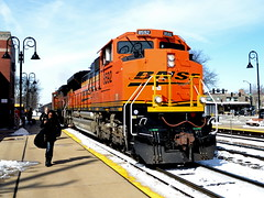 Seriously? (Robby Gragg) Tags: grove bnsf downers 8592 sd70ace