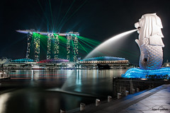 Merlion & MBS Laser Show (tejas_gokhale) Tags: longexposure canon singapore cityscape nightscape merlion marinabaysands singaporemerlion singaporeatnight mbslasershow