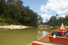 Taman Negara (ArthurPijpers) Tags: river boot luggage jungle