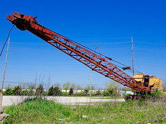 Abandoned old long crane (mrgraphic2) Tags: old abandoned long crane indianapolis rusty rusted