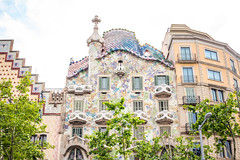 Casa Batll (like / want / need) Tags: barcelona architecture spring spain catalonia gaudi gaud casabatll urbanarchitecture
