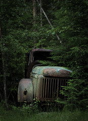 old truck (dovlindphoto) Tags: truck old wreck car rusty trees nature taking over sweden dovlind dovlindphoto pentax k3 vrmland btns bilkyrkogrd cemetery