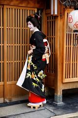 -4 (nobuflickr) Tags: japan kyoto maiko geiko    erikae    miyagawachou    fukutyou 20160526dsc00394