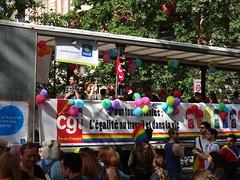 Char CGT - l'égalité au travail et dans la vie (Jeanne Menjoulet) Tags: marchedesfiertés lgbt paris 2juillet2016 lesbiangaypride gay lesbiennes bi trans gaypride pride char cgt égalité travail vie lbgt