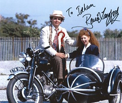 Bonnie_Langford_Auto (Commander Idham) Tags: london film comic con paramount warner brothers olympia showmaster saturday 30 july 2016 bonnie langford doctor who