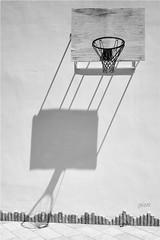a heavy philosophical mood (gicol) Tags: canestro basket ombre shadow sombras sole sun estate verano summer heat calore luce luz light wall muro pared parete bianco white blanco
