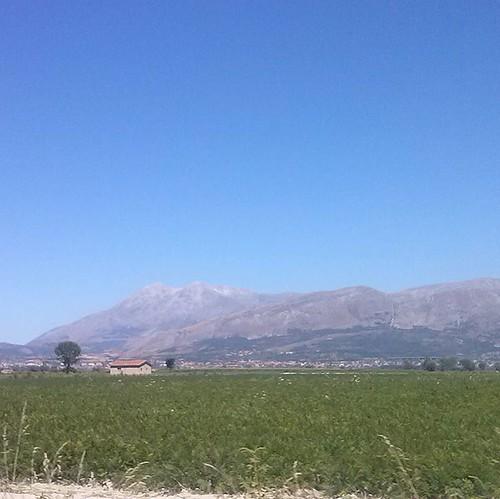 #monteVelinoLake #dal Fucino questa visuale del monte Velino