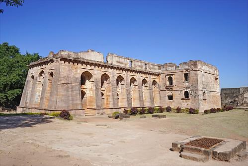 Le palais Hindola Mahal (Mandu, Inde)