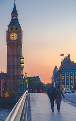 Sunset Boulevard (aquanandy) Tags: people london nikon couple explorer cityscapes bigben tourist clocktower explore londres timeout tours londra londonist visitlondon nikonuser timeoutlondon visitbritain nikonuk nikonflickraward nikond7000