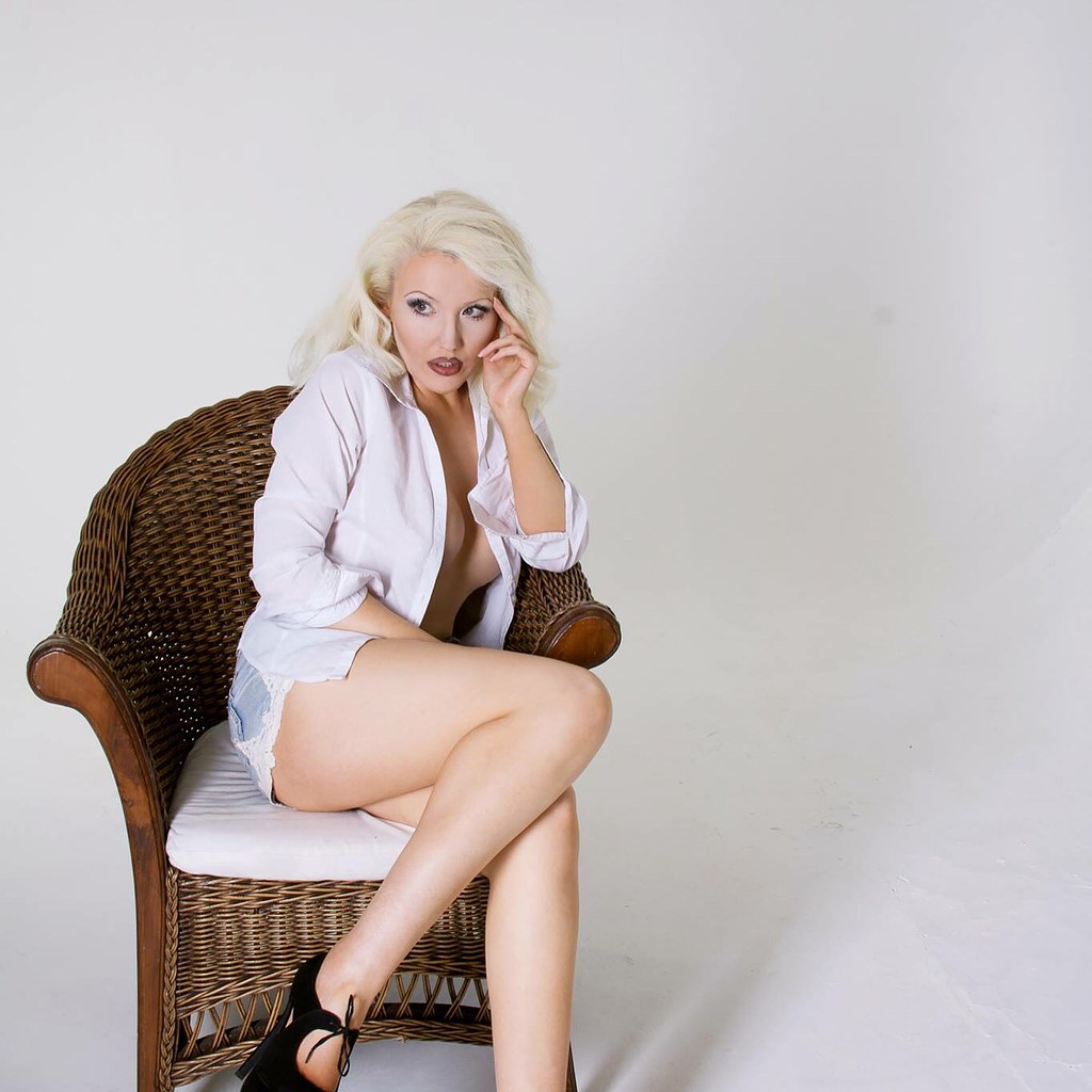 Jessica Lous Nude Photos 39