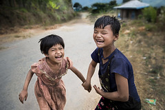 La gioia (silvia pasqual) Tags: street travel portrait people mountain color colors smile childhood smiling canon children asian happy person photography colorful asia child state burma human portraiture laugh documentaries myanmar traveling chin travelers reportage 6d birmania