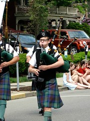 Cheeks O'Leary (e r j k . a m e r j k a) Tags: festival march pennsylvania candid parade event piper bagpipes allegheny sewickley i79pa upperohiovalley pa65 erjkprunczyk