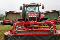 Massey Ferguson 7720 (Philippe-03) Tags: tracteur tractors agriculture salon herbe villefranche allier dallier 03 masseyferguson