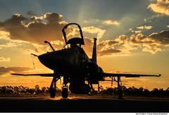 F-5EM no Exercício SABRE (sunset) (Força Aérea Brasileira - Página Oficial) Tags: sunset pordosol forcaaereabrasileira f5em canoneos5dmarkiii anapolisgo fotoeniltonkirchhof baanbaseaéreadeanápolis exerciciosabre