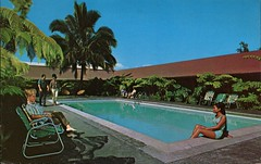 Hilo Hukilau Hotel, Hilo Bay, Hawaii (SwellMap) Tags: architecture vintage advertising design pc 60s fifties postcard suburbia style kitsch retro nostalgia chrome americana 50s roadside googie populuxe sixties babyboomer consumer coldwar midcentury spaceage atomicage