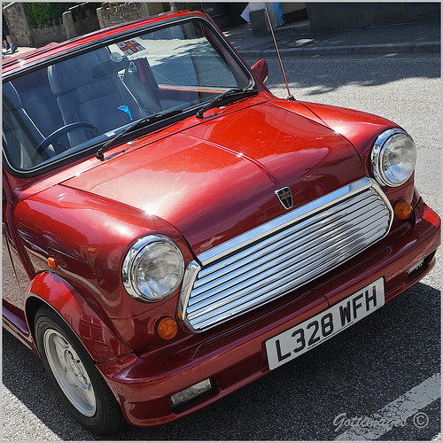 MINI CONVERTIBLE by Philip Gott (2)
