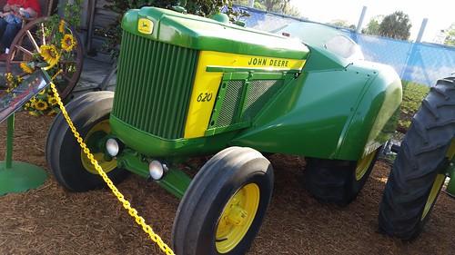 1960 John Deere 620 Orchard