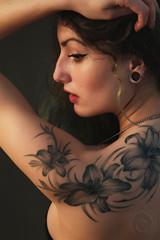 Raja (Andrea Bosio Photographer) Tags: portrait girl vintage book model glamour pretty ritratto tatto ragazza modella ritrattu andreabosio