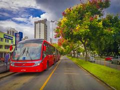 Ônibus Expresso Biarticulado Vermelho na Estação Tubo da Rodoferroviária - Curitiba - Paraná (Eduardo PA) Tags: windows paraná nokia phone na vermelho curitiba da microsoft expresso wp 1020 ônibus tubo estação lumia biarticulado rodoferroviária pureview