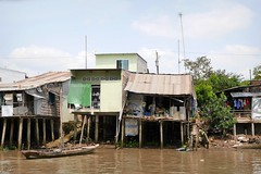 Living at the Mekongriver (Iam Marjon Bleeker) Tags: house boat streetphotography streetlife vietnam dailylife mekongdelta mekong streetview cantho mekongriver livingatthemekongdelta vpdag111060533g
