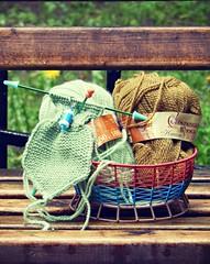 svetlo-zelenyi-sharfik-nachalo-i-yantar-motok-krasivo (Horosho.Gromko.) Tags: outside spring knitting yarn needles    yarnbowl    moscowyarnfactory